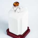Oval Citrine (8.21ct) and Diamond ring, 14kt white gold